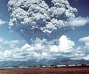 """volcano-ash-gas-cloud-mount-pinatubo""Source-Space.com"