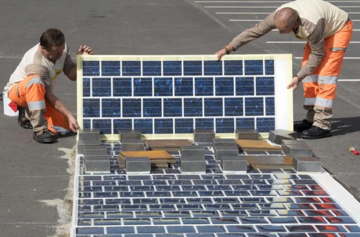 Colas Wattway Solar roadway